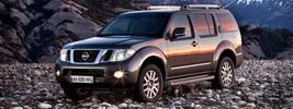 Nissan Pathfinder - 2010