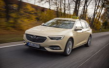 Обои автомобили Opel Insignia Sports Tourer Taxi - 2017
