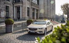 Обои автомобили Opel Insignia Sports Tourer Taxi - 2017