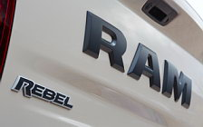 Обои автомобили Ram 1500 Rebel Mojave Sand Crew Cab - 2016