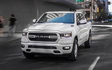 Обои автомобили Ram 1500 Big Horn Crew Cab Sport Appearance Package - 2018