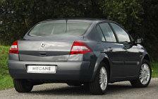Обои автомобили Renault Megane Saloon - 2005