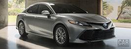 Toyota Camry Hybrid XLE US-spec - 2017