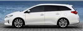 Toyota Auris Touring Sports Hybrid - 2013