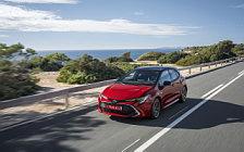 Обои автомобили Toyota Corolla Hatchback Hybrid 2.0L - 2019