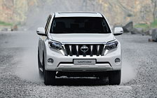 Обои автомобили Toyota Land Cruiser Prado - 2013