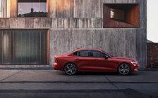 Обои автомобили Volvo S60 T6 AWD R-Design - 2018