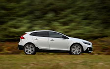 Обои автомобили Volvo V40 D4 Cross Country - 2015