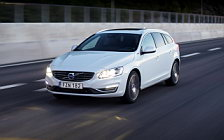 Обои автомобили Volvo V60 D5 Twin Engine - 2016