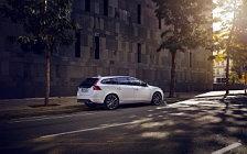 Обои автомобили Volvo V60 Edition - 2016