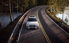 Обои автомобили Volvo V60 T6 AWD Momentum - 2018