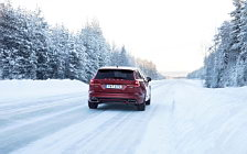 Обои автомобили Volvo V60 T8 R-Design - 2019