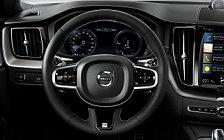 Обои автомобили Volvo XC60 T8 R-Design - 2017